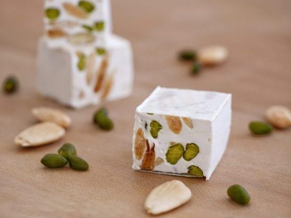 Nougat blanc aux fruits secs – 40€ par personne